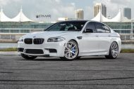 bmw f10 m5 1 tuning new 2 190x127 BMW F10 M5 V8 mit 20 Zoll Strasse R10 Wheels