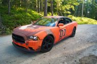 dodge charger gets rusted general lee wrap in sweden 4 190x126 General Lee is Back   Dodge Charger mit Klassiker Folierung