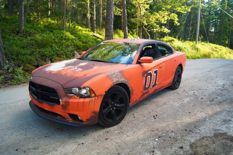 dodge-charger-gets-rusted-general-lee-wrap-in-sweden_4
