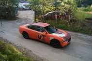 dodge charger gets rusted general lee wrap in sweden 6 190x126 General Lee is Back   Dodge Charger mit Klassiker Folierung