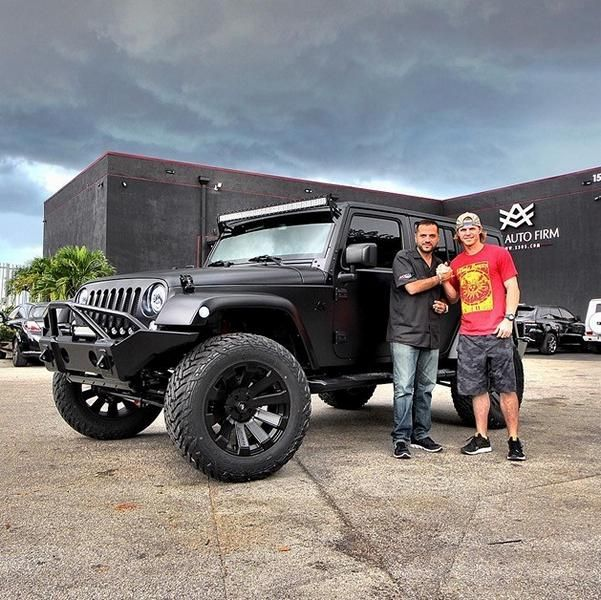 jeep-wrangler-with-satin-black-cover-is-3