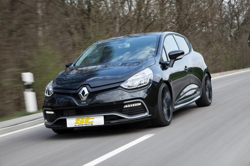 low_ST_Renault_Clio_4_RS_01-1