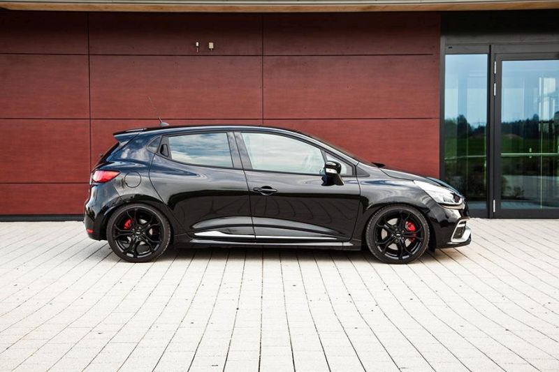low_ST_Renault_Clio_4_RS_01-3