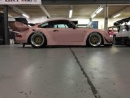 rwb building a porsche 911 tribute to 917 20 pink 12 190x143 Porsche 911 (964) Tuning by RAUH Welt mit 917/20 Optik