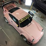 rwb building a porsche 911 tribute to 917 20 pink 8 190x190 Porsche 911 (964) Tuning by RAUH Welt mit 917/20 Optik