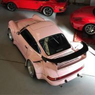 rwb building a porsche 911 tribute to 917 20 pink 9 190x190 Porsche 911 (964) Tuning by RAUH Welt mit 917/20 Optik