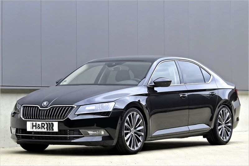 30 millimeter h r sportfedern im neuen skoda superb. Black Bedroom Furniture Sets. Home Design Ideas