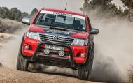 455 horsepower toyota hilux is 2 190x119 Toyota Hilux mit Lexus V8 Power und 455PS