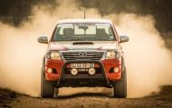 455 horsepower toyota hilux is 4 190x119 Toyota Hilux mit Lexus V8 Power und 455PS