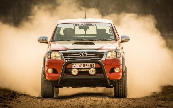 455-horsepower-toyota-hilux-is-4