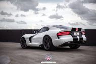 Dodge Viper SRT On HRE P106 By HRE Wheels 05 190x127 HRE Performance Wheels P106 an der Dodge Viper SRT