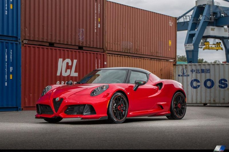 alfa romeo 4c neues bodykit vom tuner zender. Black Bedroom Furniture Sets. Home Design Ideas