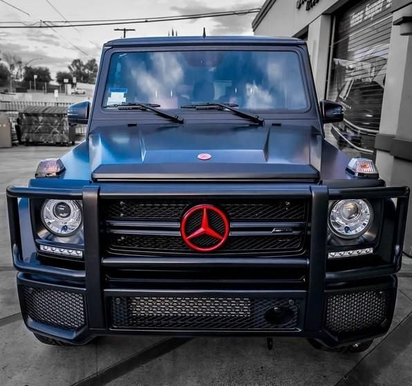 modern-family-actress-ariel-winter-goes-custom-on-her-g-wagon_2