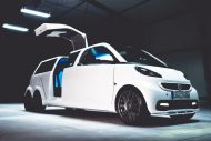 smart fortwo gets the stretch treatment becomes 3 190x127 Video: Giant Smart! Smart Fortwo as a stretch limousine