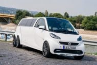 smart fortwo gets the stretch treatment becomes 4 190x127 Video: Giant Smart! Smart Fortwo as a stretch limousine