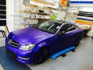 12140886 899517676768743 6165815651688449870 o 190x143 Mystique Blue Folierung am Mercedes Benz C Coupe