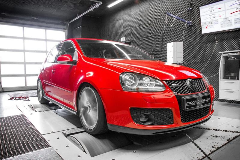 12182521 10153581323501236 5707892063315328896 o VW Golf 5 GTI 2.0 TFSI mit 251PS by Mcchip DKR SoftwarePerformance
