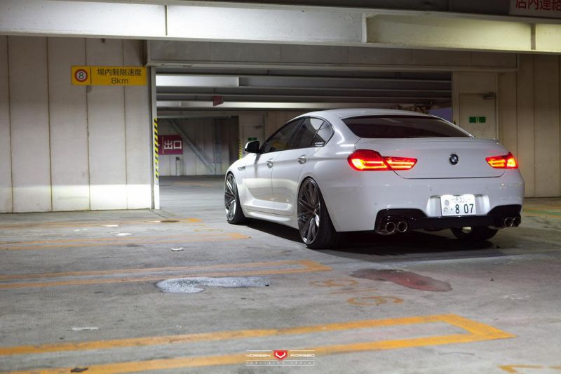 Alpine White BMW 6 Series Gran Coupe Rocking Vossen Wheels 9 Vossen Wheels VPS 307 am BMW 6er Gran Coupe