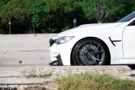 Alpine White BMW M3 With Aftermarket Aero And Wheles Installed 1%C5%BE 190x127 Tief & Fett   BMW M3 F80 mit Velos S3 Alu's in 20 Zoll