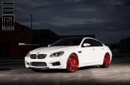 Alpine White BMW M6 Gran Coupe Gets Red Wheels 1 190x124 Candyrote 22 Zoll ADV.1 Wheels am BMW M6 Gran Coupe