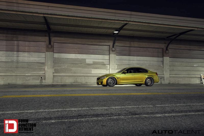 Austin Yellow BMW M3 With Klassen M10R Anthracite Grey Frost Wheels 2 BMW F80 M3 auf KlassenID M10R Wheels in Grau