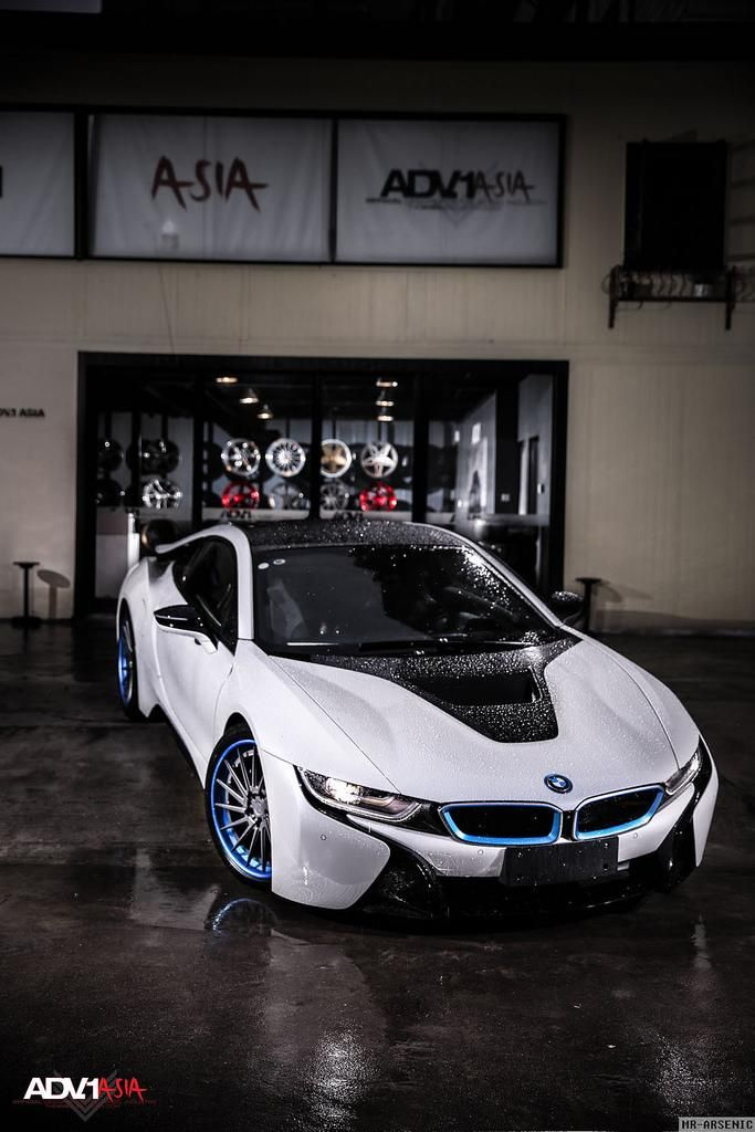 BMW-i8-With-Aftermarket-Custom-Forged-Wheels-Installed-6