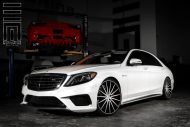 Exclusive Motoring Mercedes Benz S Class on Vossen Wheels 1 190x127 Mercedes Benz S Klasse auf 22 Zoll Vossen Wheels