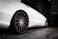 Exclusive Motoring Mercedes Benz S Class on Vossen Wheels 11 190x127 Mercedes Benz S Klasse auf 22 Zoll Vossen Wheels