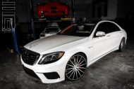 Exclusive Motoring Mercedes Benz S Class on Vossen Wheels 5 190x127 Mercedes Benz S Klasse auf 22 Zoll Vossen Wheels