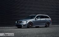 Mercedes C63 AMG Estate carbon BBS Akrapovic exhaust 1 190x119 Mercedes Benz C63 AMG T mit BBS CH R & Carbon Bodykit