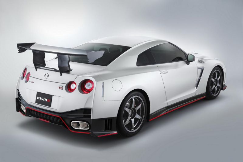 Nissan-GT-R-Nismo-N-Attack-Package-2
