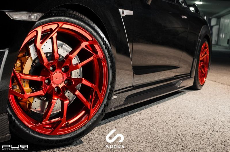 Nissan-GT-R-On-PUR-RS05-By-PUR-Wheels-08
