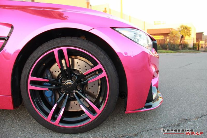 Pink-Chrome-BMW-M4-folierung-pink-4