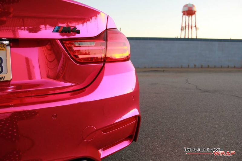 Pink-Chrome-BMW-M4-folierung-pink-8