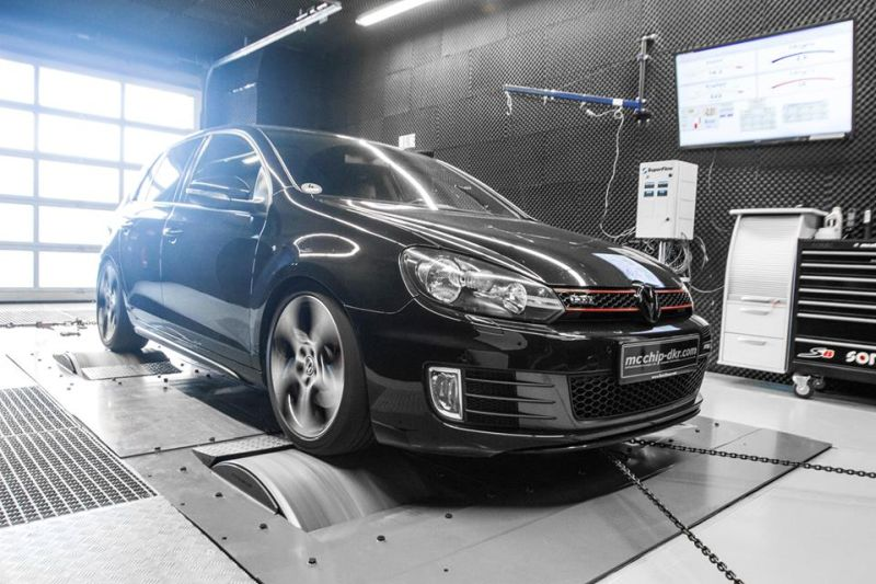 VW Golf 6 GTI 2.0 TSI Chiptuning Mcchip-DKR Downpipe (3)