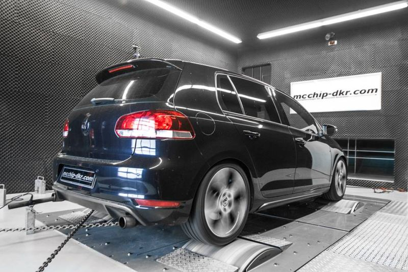 VW Golf 6 GTI 2.0 TSI Chiptuning Mcchip-DKR Downpipe (4)