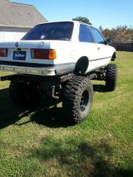heres your chance to own a bmw e30 3 series 4 190x253 verkauft: BMW E30 3 Series als Monstertruck Umbau