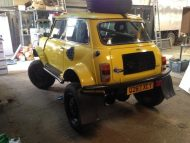 mini body with extreme offroading vehicle 2 190x143 Brutal: V8 Motor  > Range Rover Chassis und ein Mini!