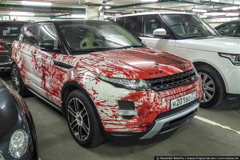range-rover-evoque-gets-bloody-makeover-in-russia-as-halloween-costume_1