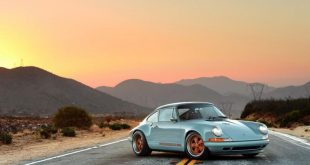 singer 911 racing blue d d810c8b 2 310x165 Perfektion   500 PS Porsche 964 von Singer Vehicle Design's