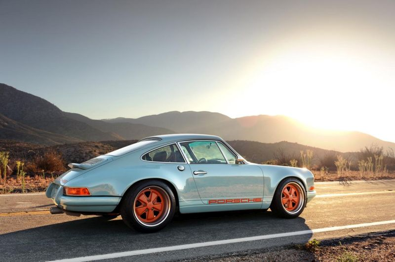 singer 911 racing blue d d810c8b 9 Fotostory: Singer Vehicle Design Porsche 911