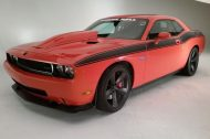 2010 dodoge chalenger srt8 panorama photo shoot 4 190x126 Mopar Dodge Challenger mit 997PS als Daily Driver