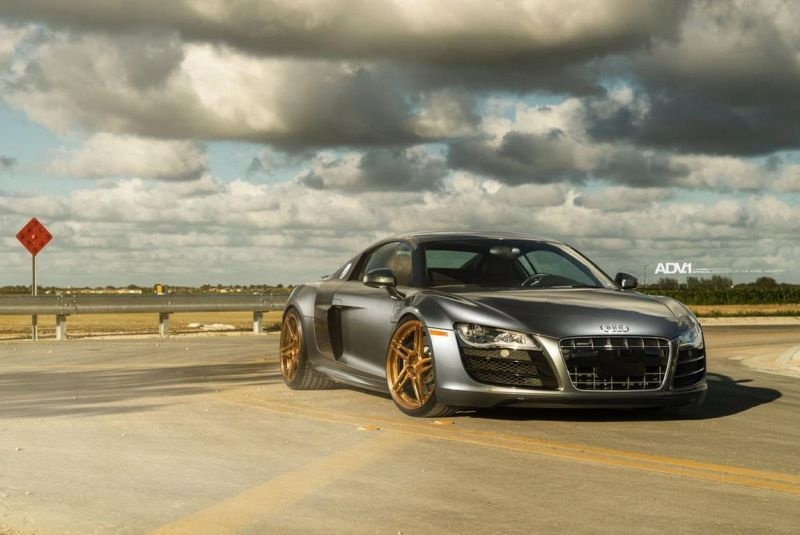 Audi R8 On ADV05R MV2 CS By ADV.1 Wheels 02 20 Zoll ADV05R MV2 CS Alufelgen am mattsilbernen Audi R8