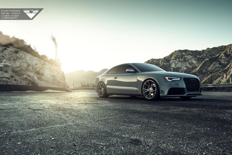 Audi-RS5-fitted-with-Flow-Forged-V-FF-103-Wheels-1 - Kopie