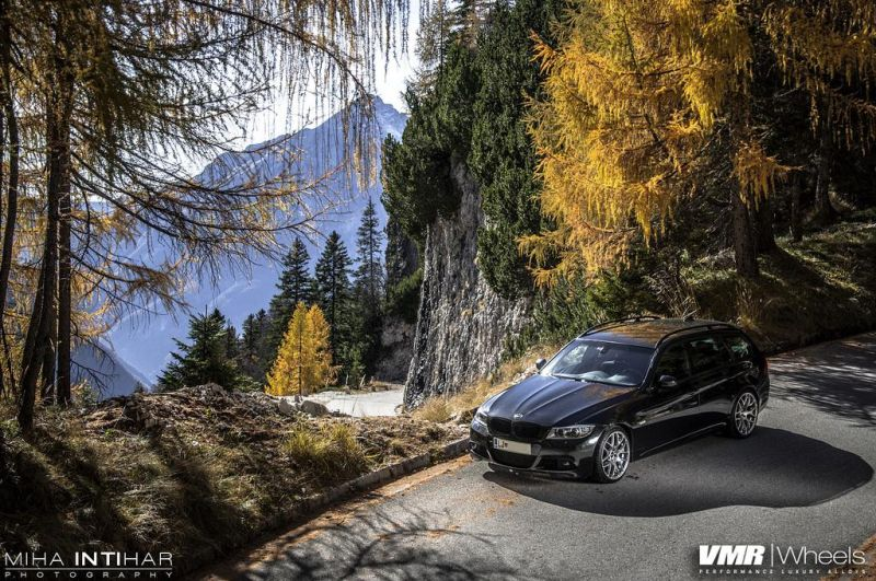 BMW-E91-3-Series-With-VMR-Wheels-1