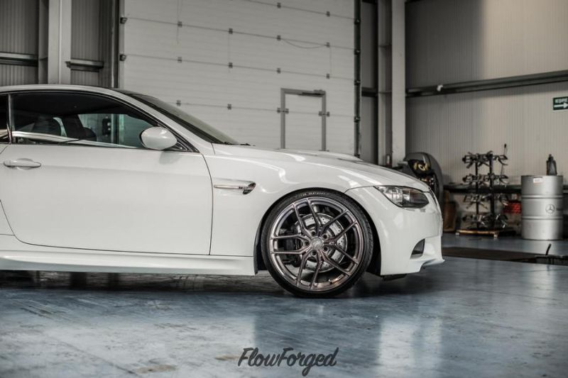 bmw e92 m3 in wei auf 19 zoll zp2 1 z performance wheels. Black Bedroom Furniture Sets. Home Design Ideas