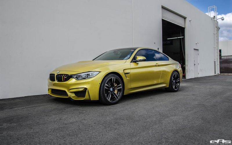BMW M4 Gets A Bootload Of Tiny Details At European Auto Source 1 Sehr dezent   EAS Tuning am Austin Yellow lackierten BMW M4 F82