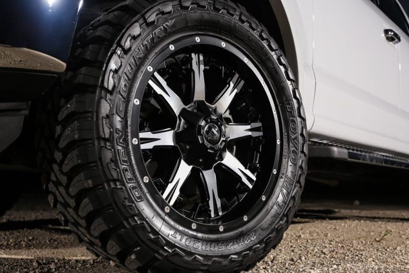 Exclusive-Motoring-Ford-F150-On-20-Fuel-Offroad-Wheels-012