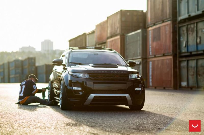 Range Rover Evoque on Air Suspension Vossen CVT Wheels © Vossen Wheels 2015 1001 840x560 Range Rover Evoque auf 22 Zoll Vossen CVT Alu's