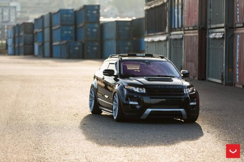 Range-Rover-Evoque-on-Air-Suspension-Vossen-CVT-Wheels-©-Vossen-Wheels-2015-1019-840x560